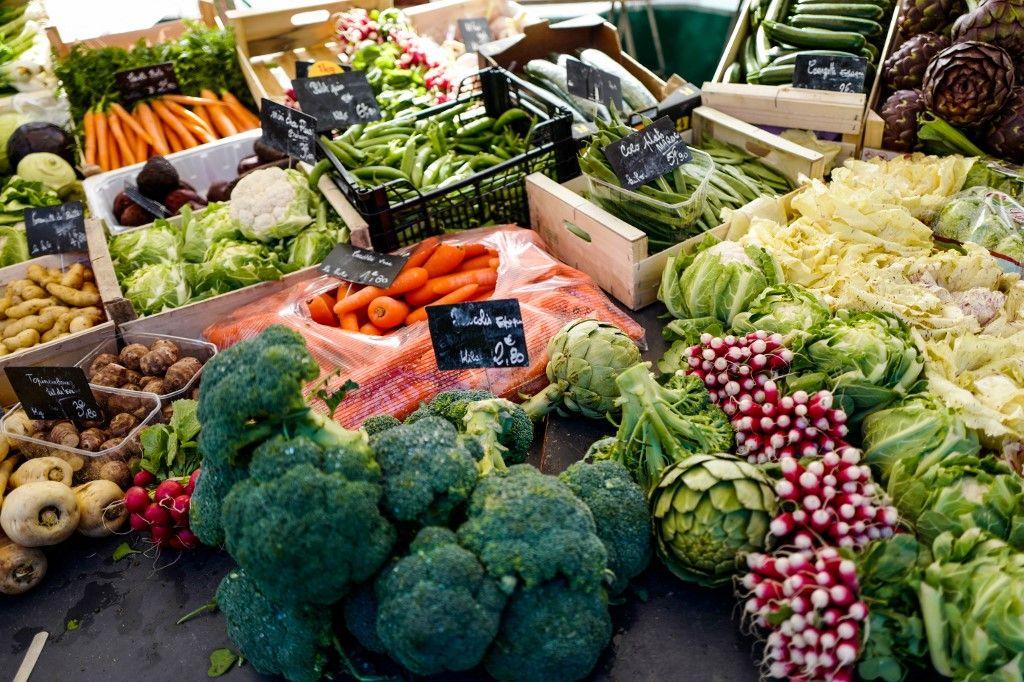 Des légumes au marché Président Wilson, le 14 mars 2018, à Paris.