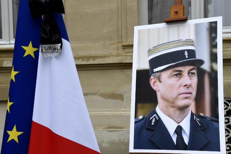 """""""Mon fils appartient à tous les Français"""" : la mère d'Arnaud Beltrame dément être opposée aux baptêmes de rue à son nom dans les villes FN"""