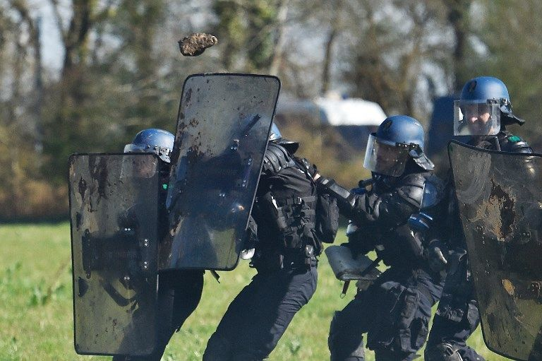 Notre-Dame-des-Landes : un escadron de gendarmes mobiles tombe dans une embuscade