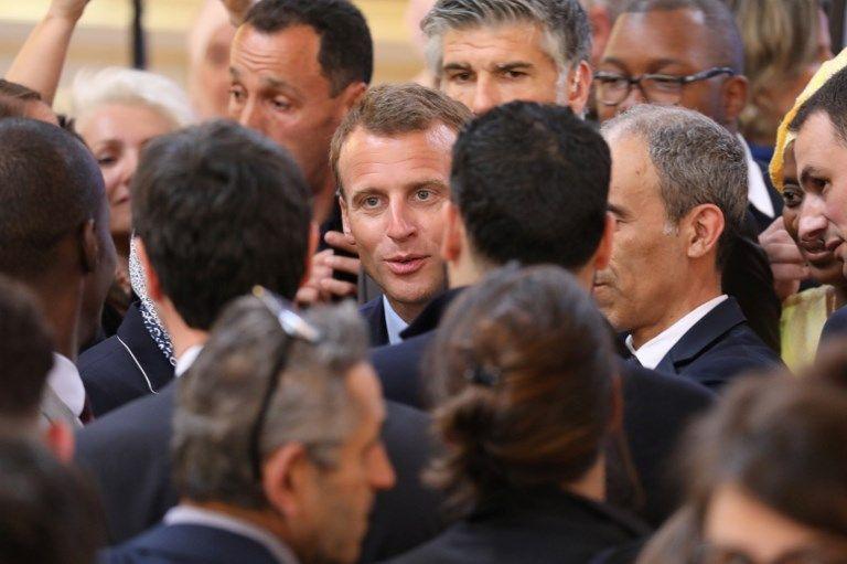 """« Demain soir, JE VOUS réponds » : Emmanuel Macron ou la difficulté à penser le """"NOUS"""""""