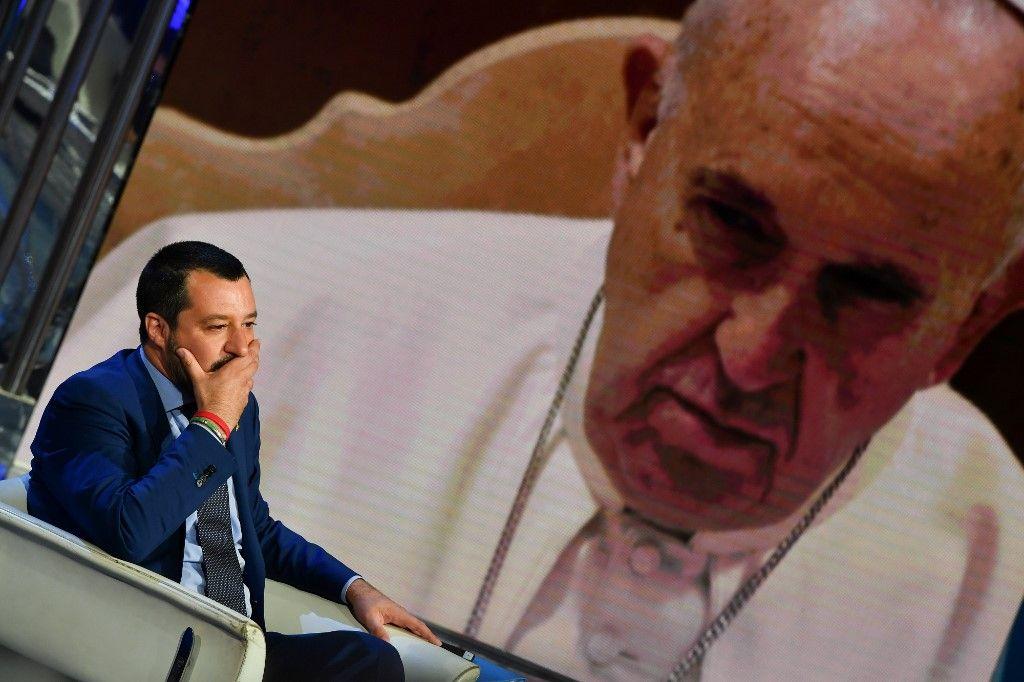 Tempête dans les bénitiers : qui de Salvini ou du pape est le plus catholique ?