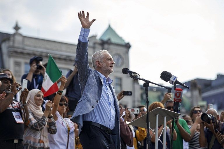 Brexit : et Jeremy Corbyn profita du trouble des conservateurs pour lancer la campagne des législatives britanniques