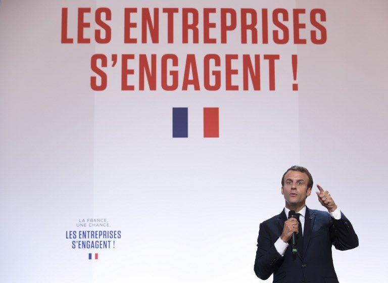 Macron et les chefs d'entreprise : avec le « name and shame » pour traquer les comportements déviants, le Président enlève les carottes. Restent les bâtons