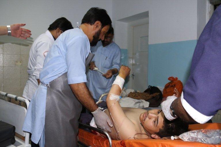 """Afghanistan : nouvelles scènes de guerre à Kaboul avec le tir d'une dizaine de roquettes par """"un groupe de terroristes"""""""