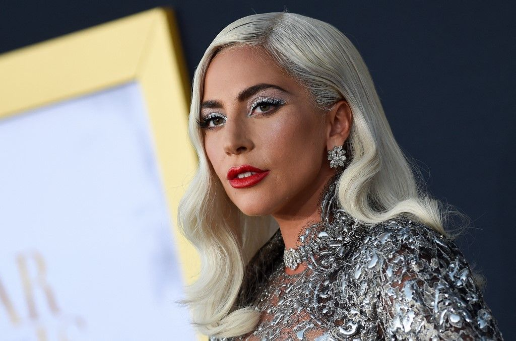 Lady Gaga offre une récompense de 500.000 dollars pour retrouver ses chiens. La personne qui promenait ses chiens a été agressée par arme à feu.