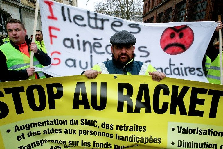 Consentement au pouvoir : les 4 mensonges auxquels la France ne fait plus semblant de croire