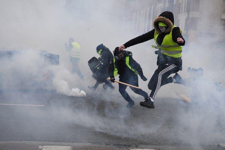 """""""Le pacifisme, ça suffit"""" : pourquoi la stratégie de répression judiciaire et policière risque de produire une génération de militants politiques aguerris"""