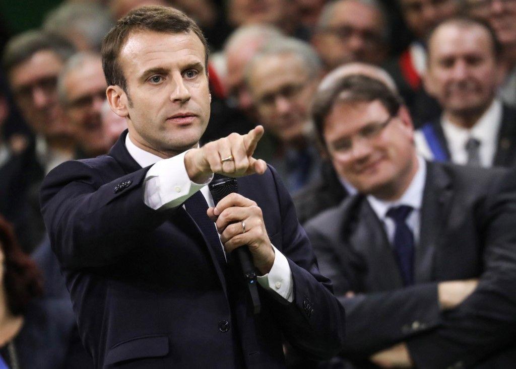 Rodez : Emmanuel Macron relance le grand débat afin de tenter de convaincre les Français sur les retraites