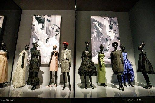 Grands couturiers : la frontière entre créateurs de mode et artistes contemporains devient de plus en plus ténue