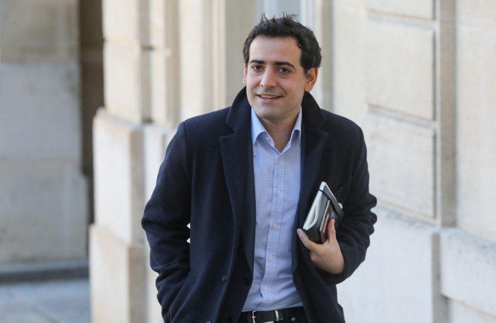 Stéphane Séjourné, ancien conseiller politique du président, arrive pour une réunion à l'Elysée le 15 février 2019.