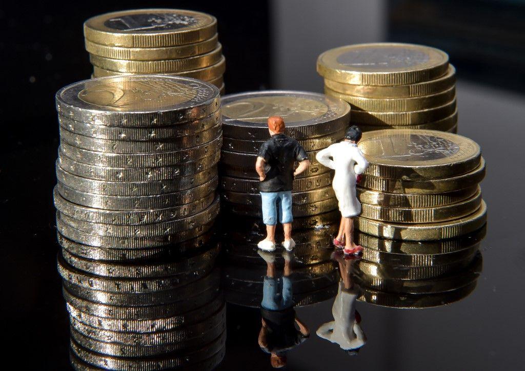 1050 milliards pour la BCE, 700 milliards de dollars pour le budget américain, 50 milliards d'euros pour le Français… d'où vient tout cet argent ?