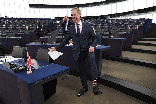 Le nouveau parti du Brexit de Nigel Farage prend la tête des sondages pour les Européennes au Royaume-Uni
