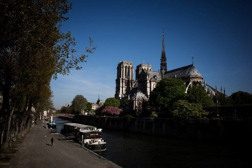 Notre-Dame de Paris : une flèche et des batailles