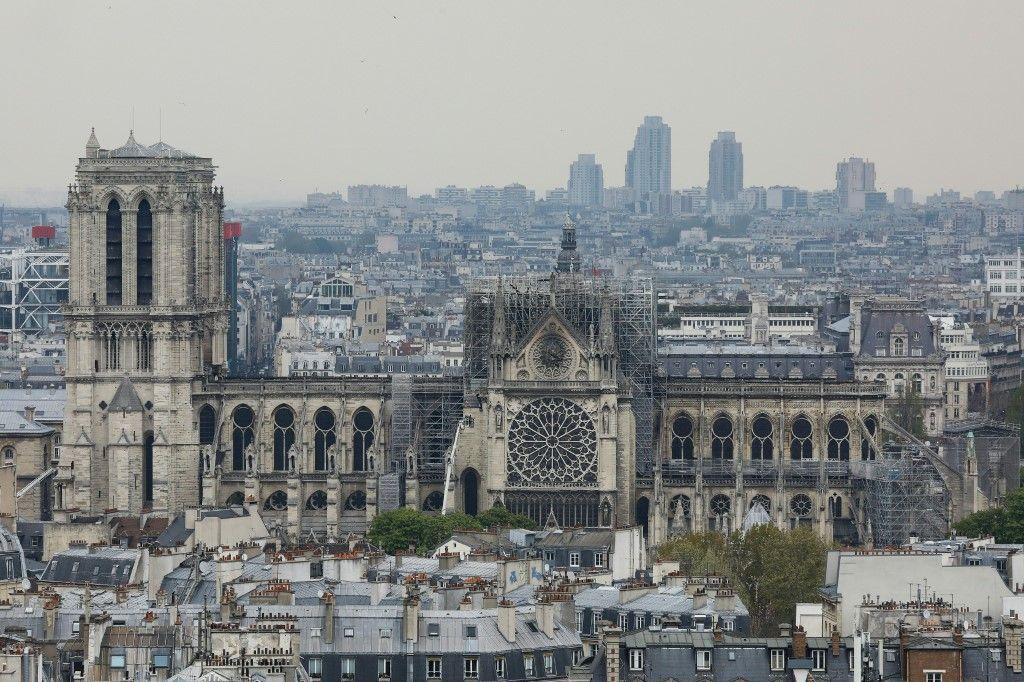 Notre-Dame de Paris : le diocèse veut remplacer les vitraux et le mobilier de Viollet-le-Duc par un aménagement contemporain