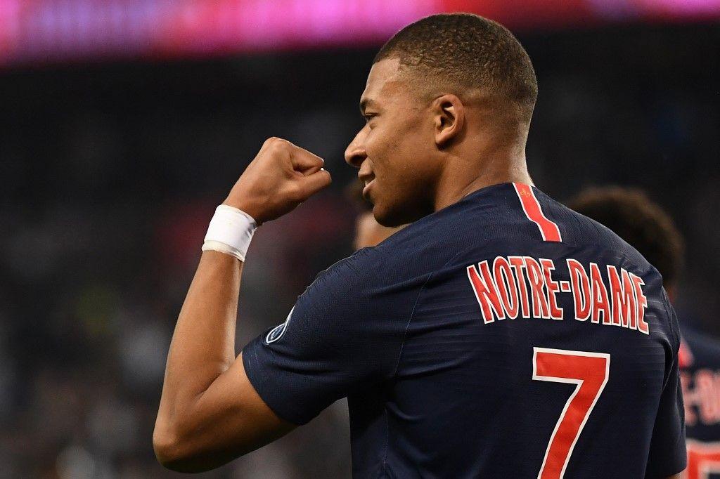 """Les 1.000 maillots du PSG floqués """"Notre-Dame"""" ont été vendus en moins de 30 minutes"""
