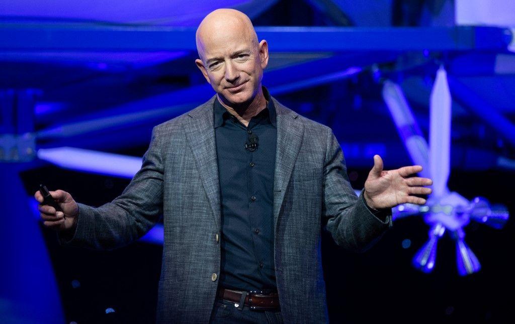 Jeff Bezos lors de l'annonce sur Blue Moon, un véhicule d'atterrissage lunaire pour la Lune, lors d'un événement Blue Origin à Washington, le 9 mai 2019.