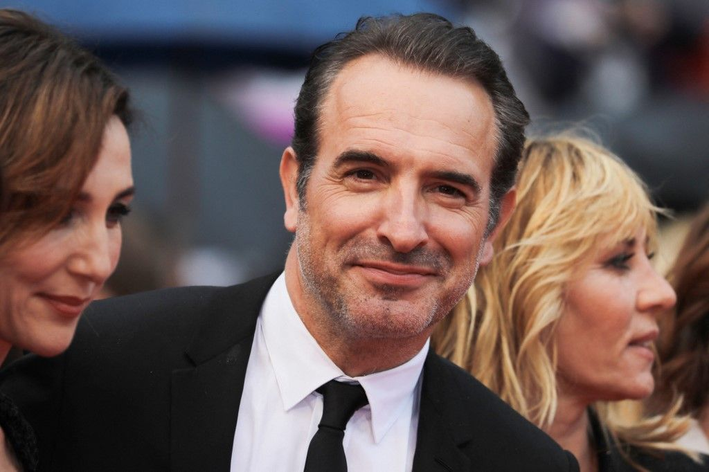 """L'acteur Jean Dujardin arrive pour la projection du film """"Les Plus Belles Années d'une Vie"""" à la 72e édition du Festival de Cannes en mai 2019."""