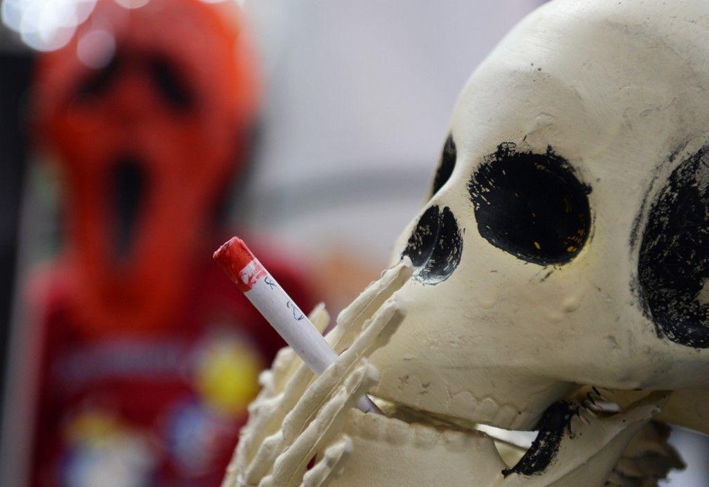Ces études qui montrent que fumer pourrait endommager vos yeux tout autant que vos poumons