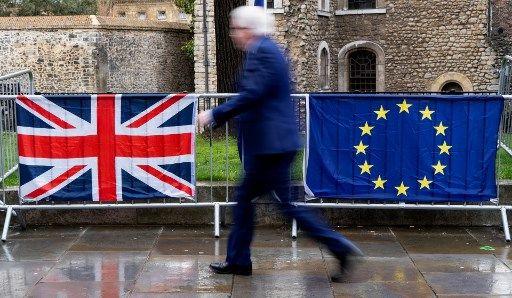 """Brexit : """"on ne va pas recommencer tous les trois mois"""", s'agace Jean-Yves Le Drian"""