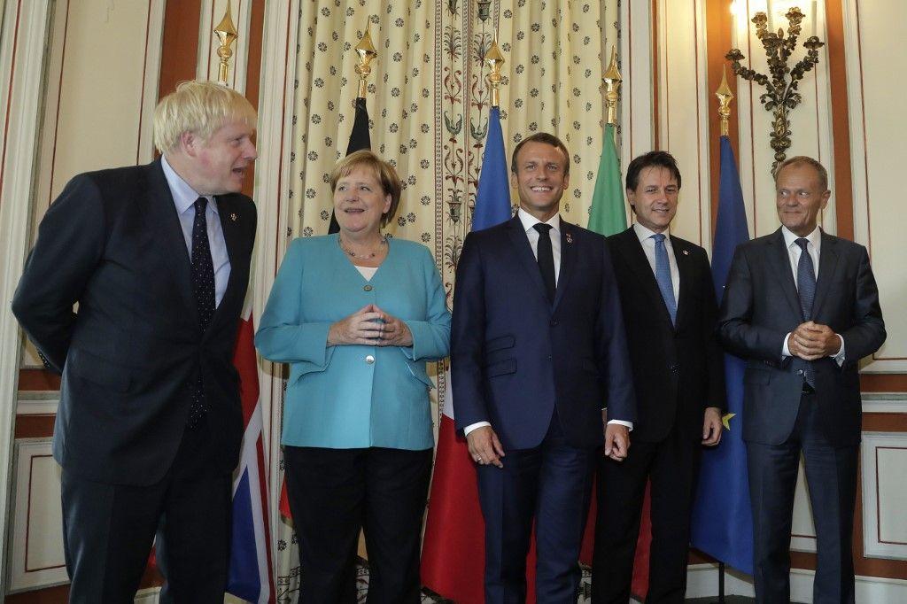 """De Londres à Rome, qui des """"populistes"""" ou de leurs opposants tordent le plus le bras de la démocratie ?"""