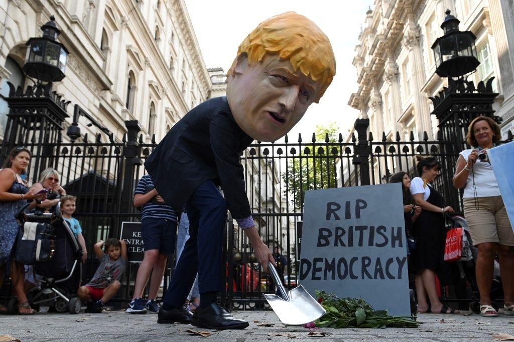 Brexit : petit rappel des prédictions apocalyptiques prédites au Royaume-Uni lorsqu'il choisit de garder la Livre sterling plutôt que d'adopter l'Euro