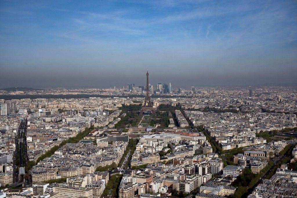Double défi pour le prochain maire de Paris : la capitale dégringole dans le classement mondial des villes les plus agréables et passe en tête des plus chères.