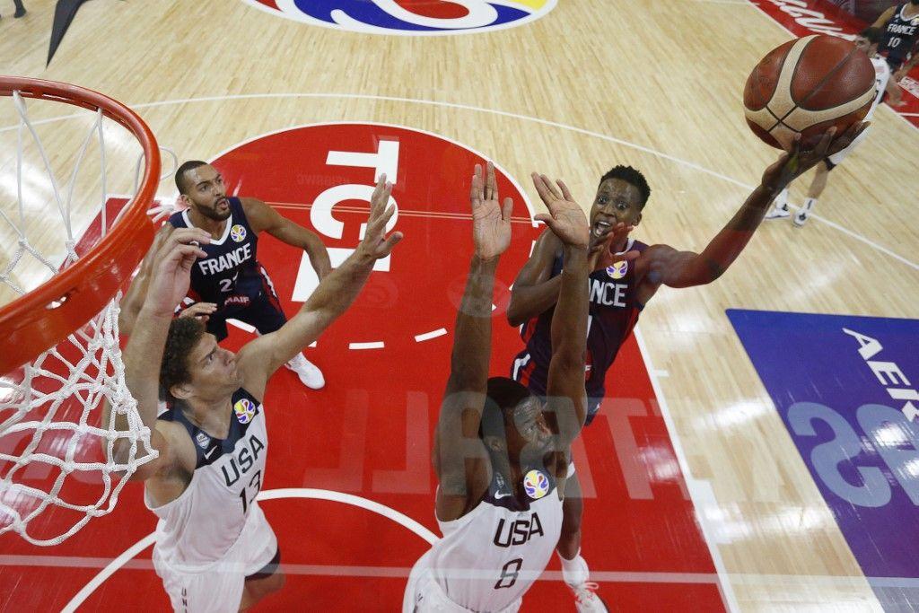 Coupe du monde de basket : la France réalise l'exploit en battant les Etats-Unis et se qualifie pour la demi-finale