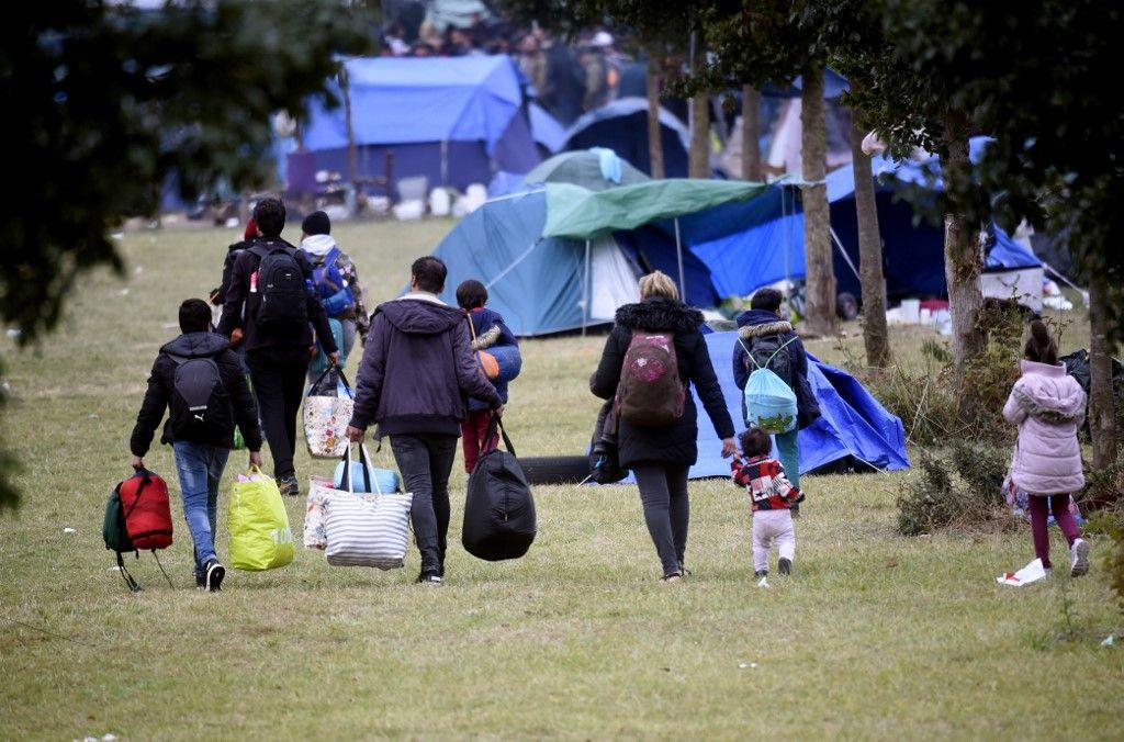 Evacuation d'un millier de migrants à Grande-Synthe