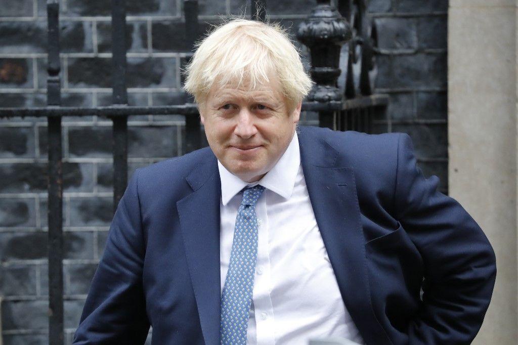 Pourquoi le soutien de Johnson dans l'opinion britannique ne se dément pas