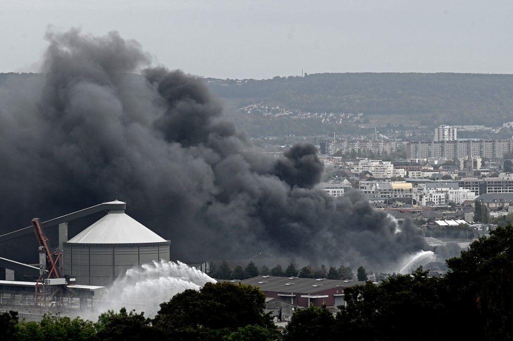 Incendie à Rouen : 112 communes visées par une interdiction de ventes de produits agricoles