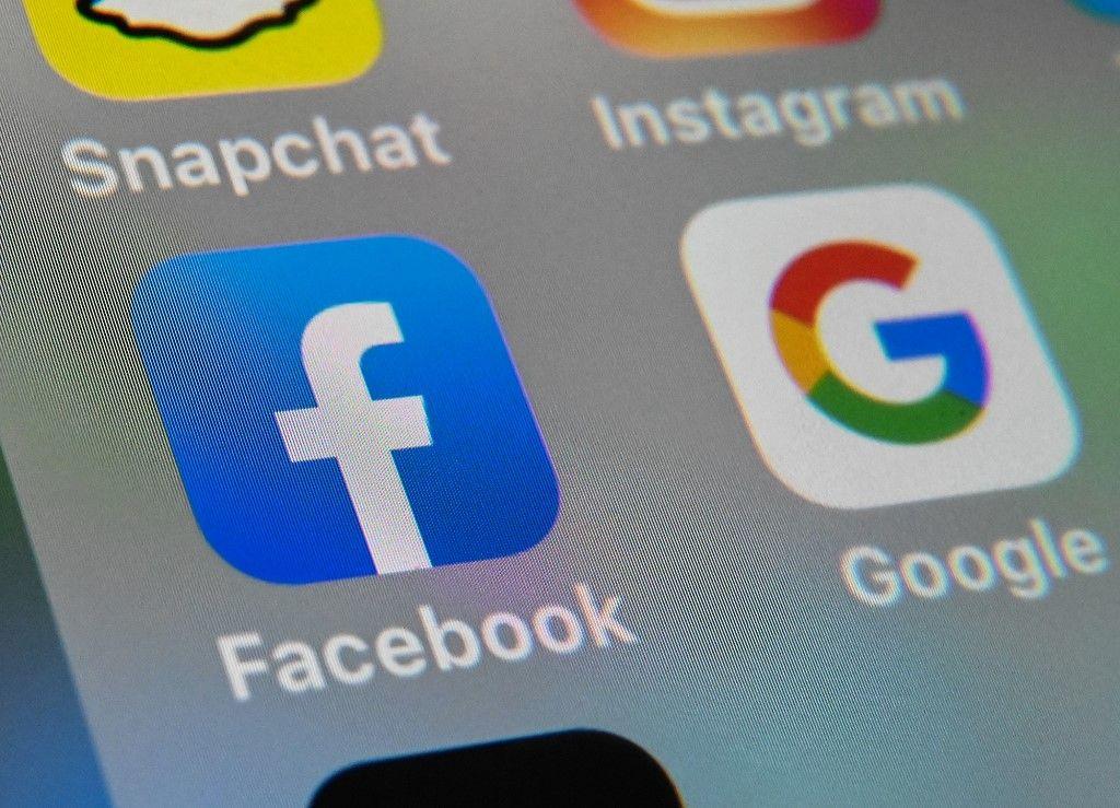 Google et Facebook prolongent le télétravail jusqu'au début de l'année 2021 pour leurs employés