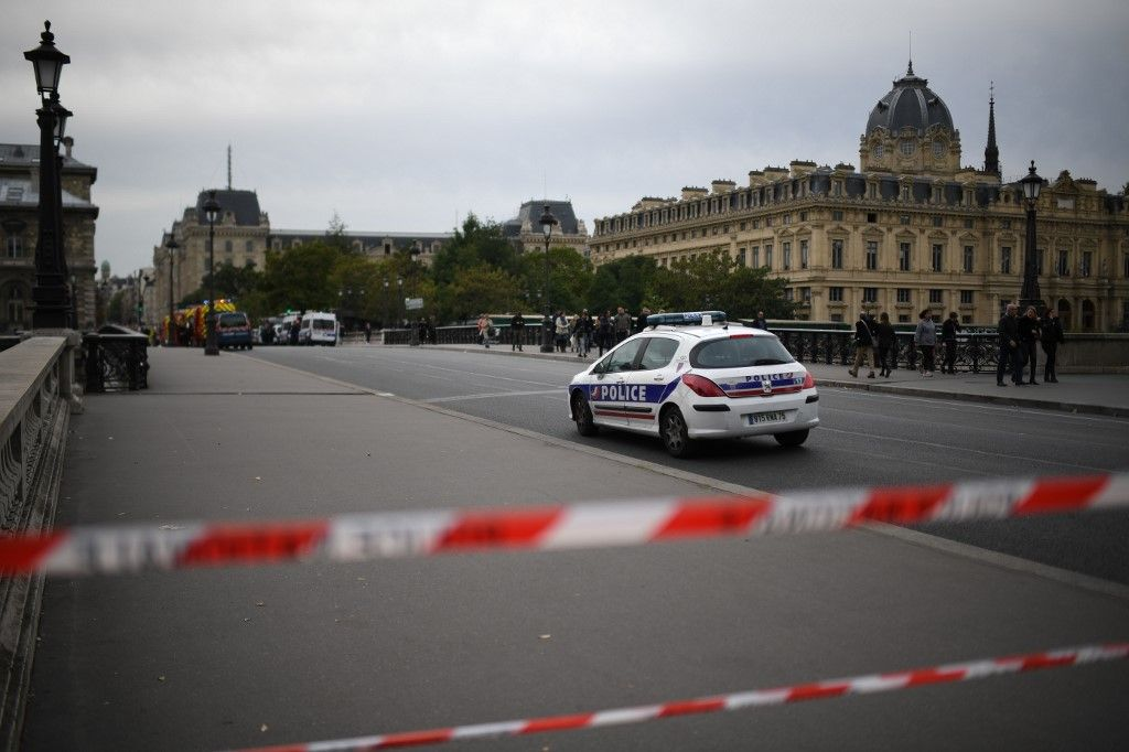 Attaque à la Préfecture de police : le parquet national antiterroriste se saisit de l'enquête