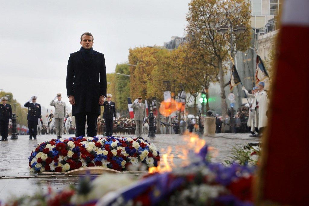 Emmanuel Macron 11 novembre cérémonie résilience crises quinquennat