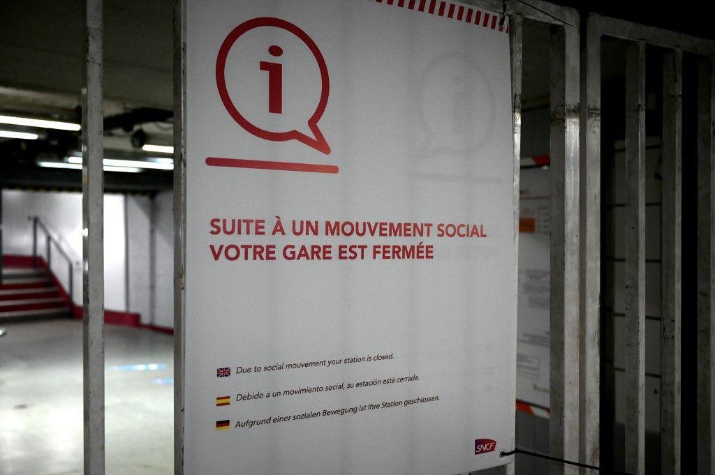 L'Humanité se surpasse dans le comique. « Le gouvernement a fait appel à des cars privés pour briser la grève ! », s'indigne le journal. Rions un peu.