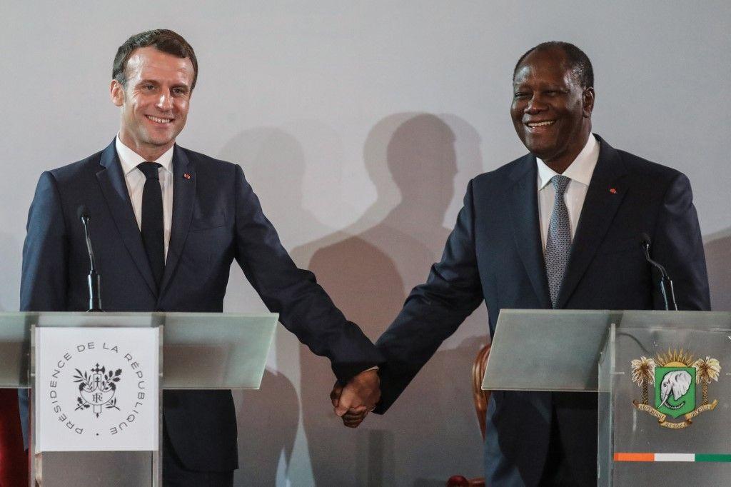 """En Côte d'Ivoire, Emmanuel Macron déclare que """"le colonialisme a été une erreur profonde, une faute de la République"""""""