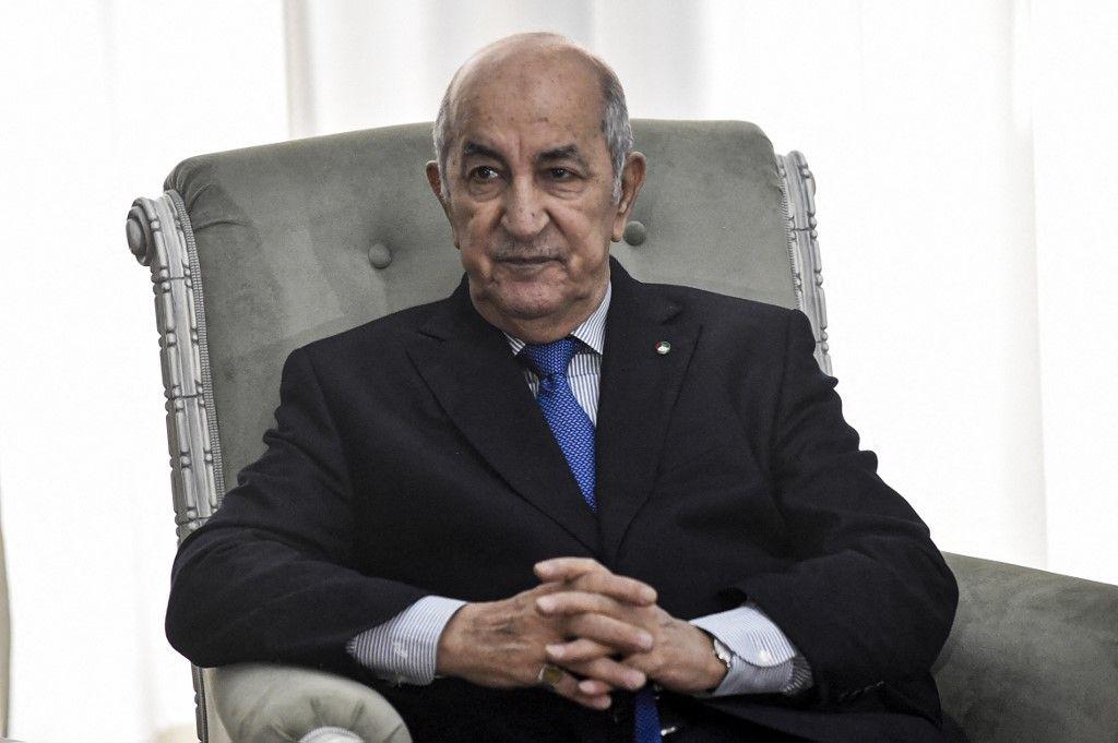 Le président algérien Abdelmadjid Tebboune lors d'une rencontre avec le ministre français des Affaires étrangères dans la capitale Alger, le 21 janvier 2020.