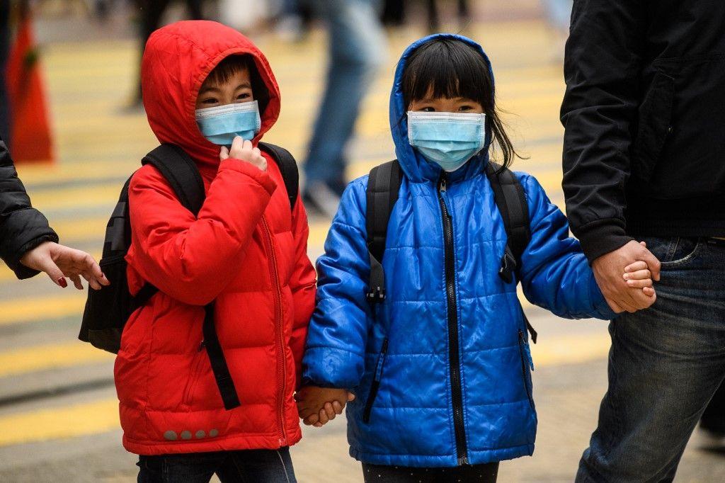 Covid : l'article du Lancet qui confirme que tout le monde, enfants ou non, contamine tout le monde
