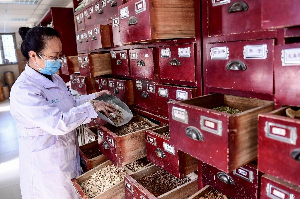Pékin promeut la médecine traditionnelle chinoise de gré ou de force. Effet boomerang en vue ?
