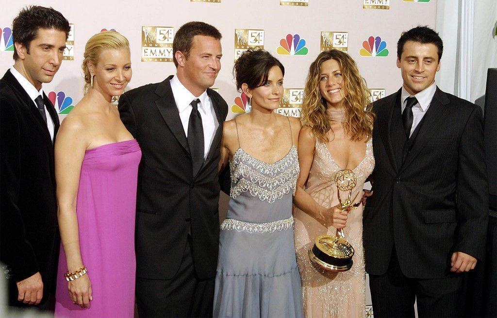 Les acteurs de la série Friends lors de la 54ème cérémonie des Emmy Awards.