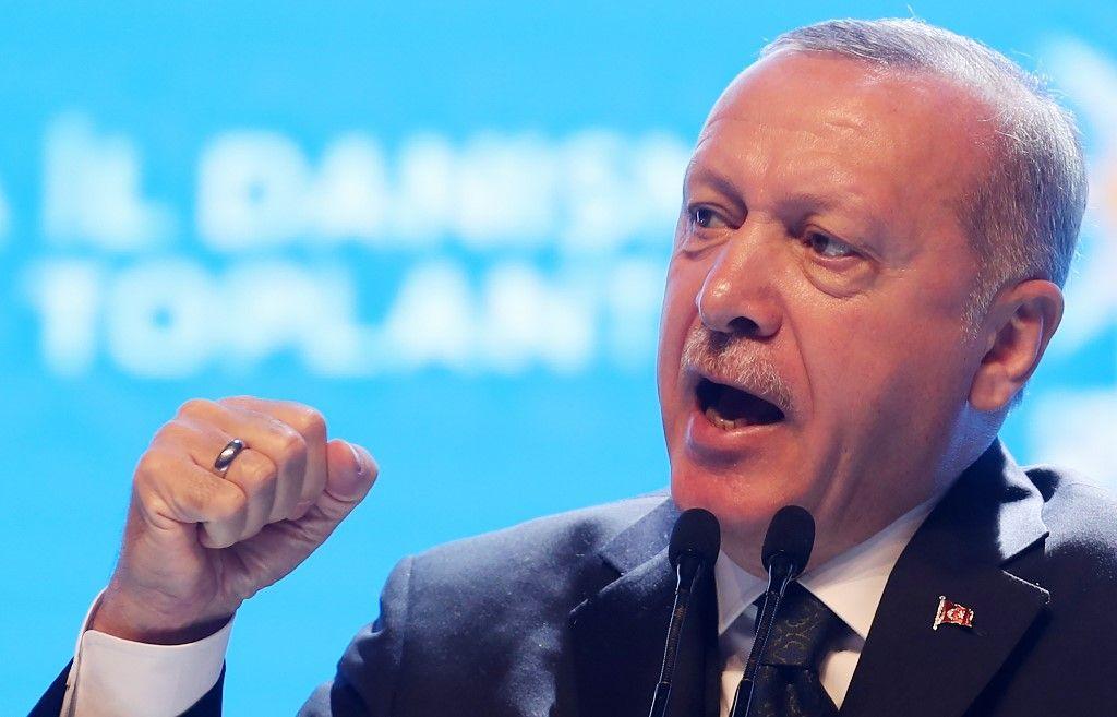 Jean-Yves Le Drian pleure les soldats turcs morts en Syrie ! Et combien de larmes a-t-il versé sur les  Kurdes massacrés par les Turcs ?