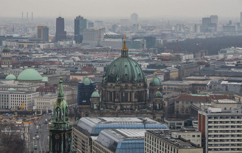 Une vue de la ville de Berlin et de la cathédrale de la ville prise le 3 mars 2020 à Berlin.