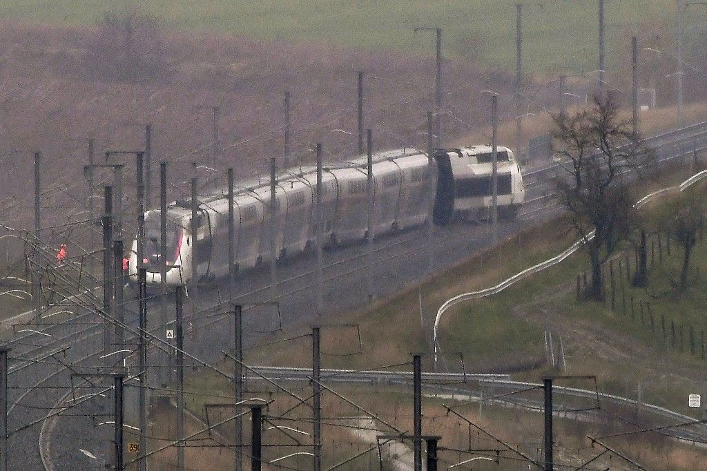 Un TGV déraille près de Strasbourg : une vingtaine de blessés, dont un dans en état grave