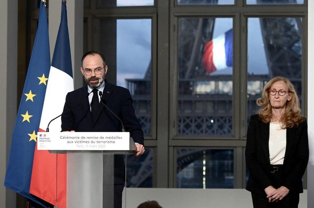 Non la démocratie n'a pas été dissoute en France. Mais des questions sérieuses se posent sur l'État de droit