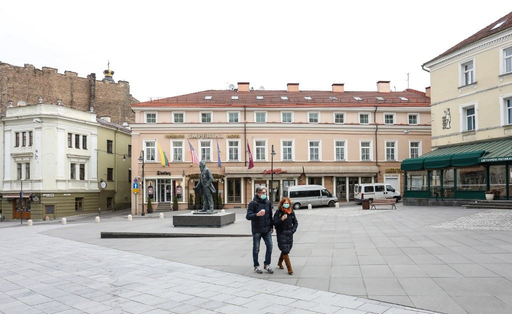 Lituanie : Vilnius se transforme en un vaste café à ciel ouvert avec la réouverture des bars et des restaurants