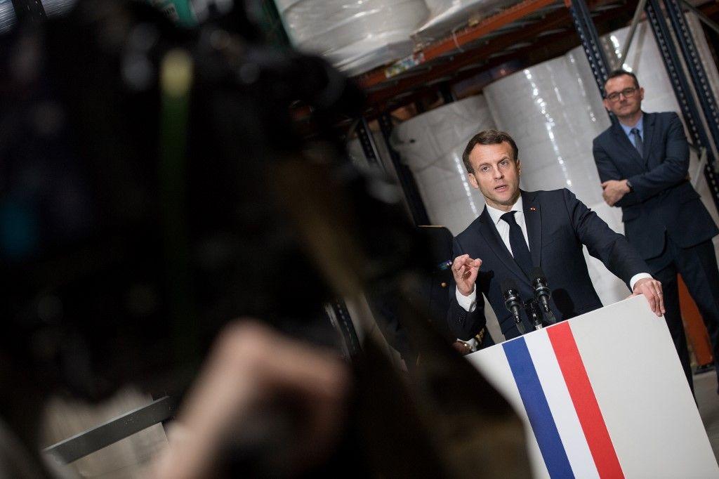 """""""La France unie"""" : Emmanuel Macron lance un slogan bien moins rassembleur qu'il n'y paraît"""