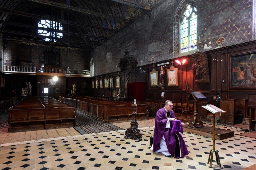 Sauver Pâques : les catholiques se mobilisent pour communier malgré le confinement
