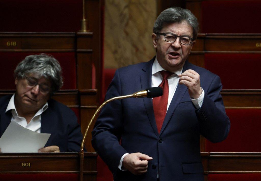 """Perquisition à La France insoumise : des dirigeants du parti, dont Jean-Luc Mélenchon, sont visés par une enquête pour """"abus de confiance"""""""
