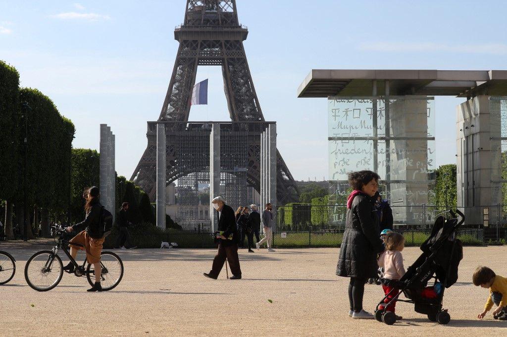 """Philippe Juvin : """"plus le confinement dure en France, alors que les autres pays déconfinent vite, plus le différentiel économique sera difficile à rattraper"""""""