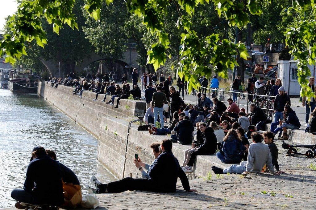 Les quais parisiens avaient été pris d'assaut lors du déconfinement de mai 2020.