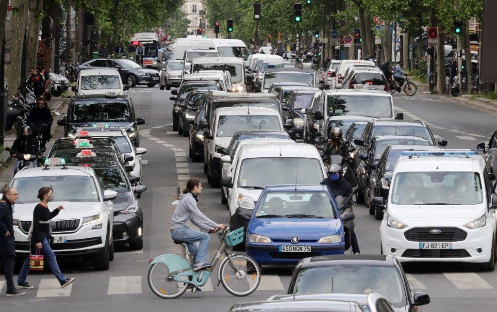 30km/h partout dans Paris, bénéfices (quasi) nuls : une pure mesure démagogique ?